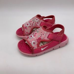 Nike sunray adjustable. Toddler Girls size 8